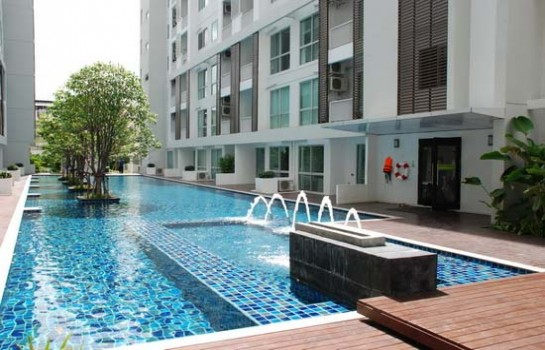 Two bed condo for rent in Rama 9 - Pool