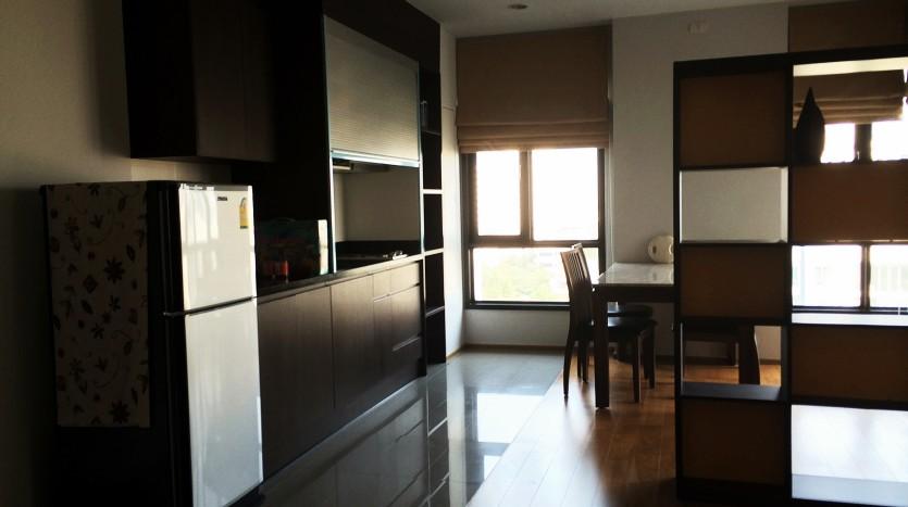 Condo for rent in ari - Living room