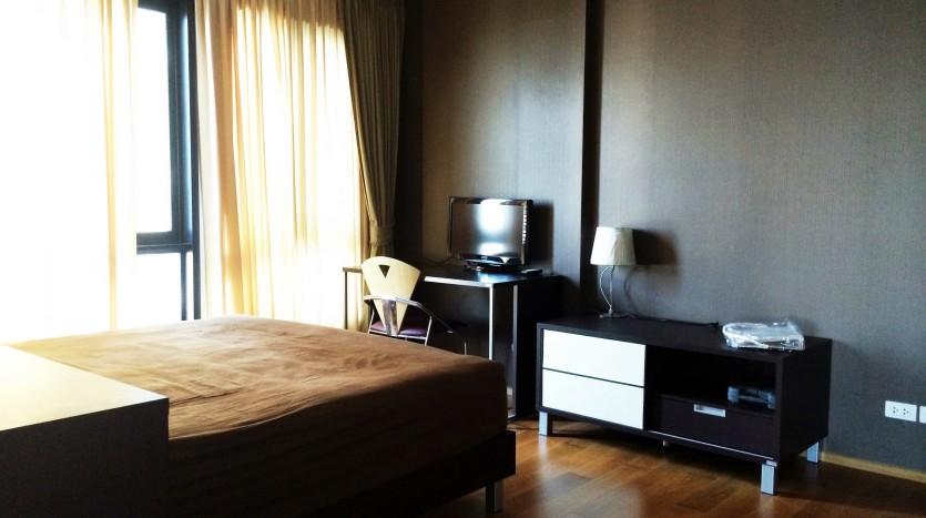 Condo for rent in ari - Bedroom
