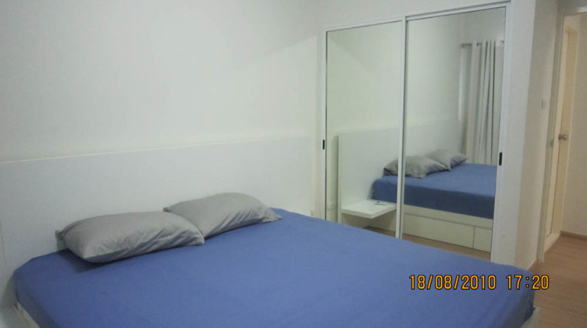 Two bed condo for rent in Rama 9 - Second bedroom