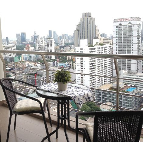 Three bedroom condo for rent in Asoke - Balcony