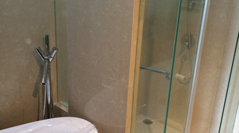 Two bed condo for rent in Phrom Phong - Bathroom