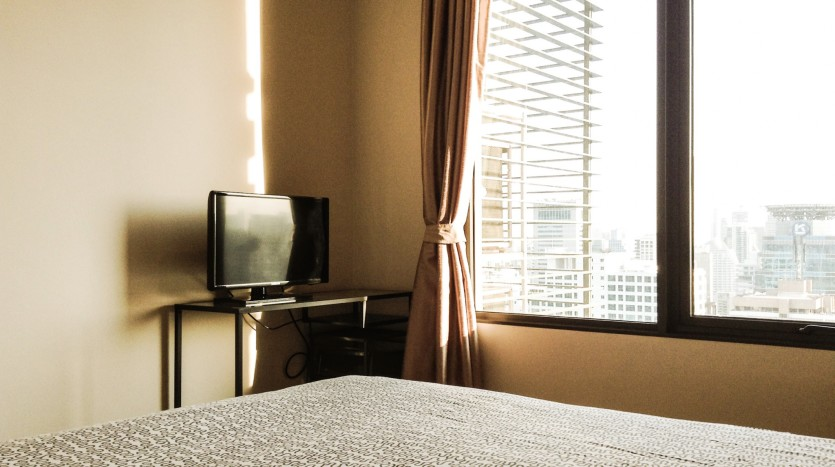 Two bed condo for rent in Asoke - Bedroom