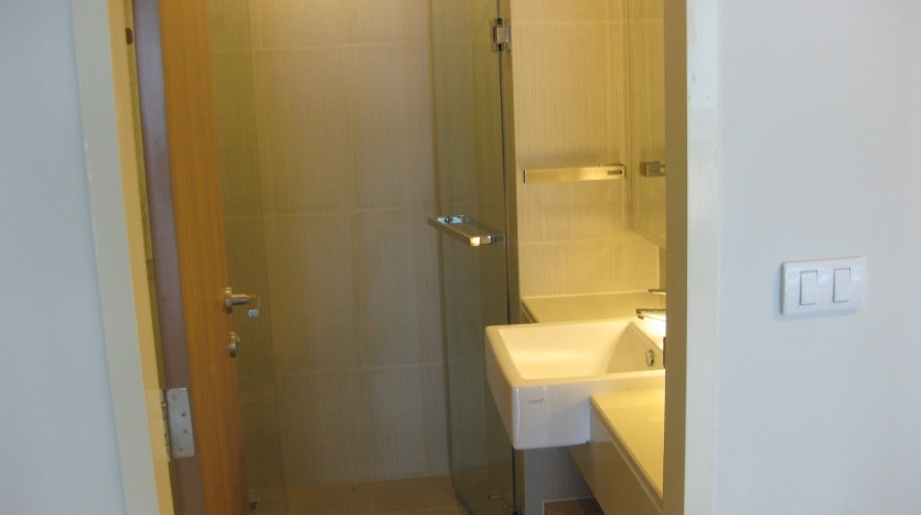 Condo for rent in Ekkamai -bathroom
