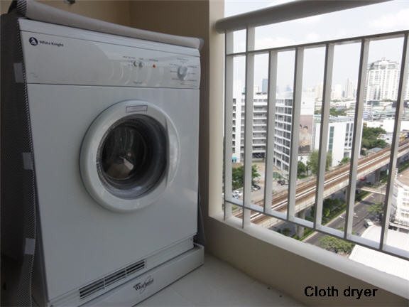 Two bed condo for rent in Ratchada - Balcony