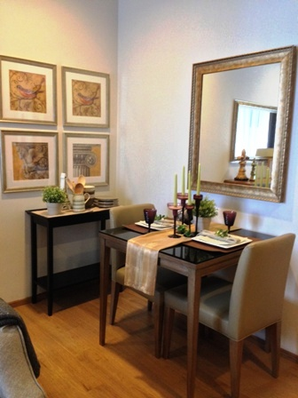 One bed condo for rent in Nana - Dining area