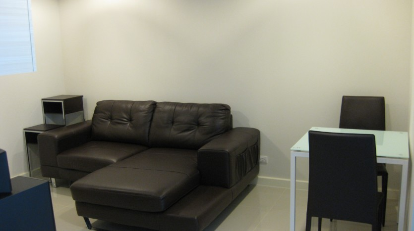 Condo for rent in Ekkamai - Sofa