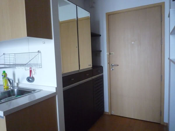 One bed condo for rent in Ratchathewi - Entrance