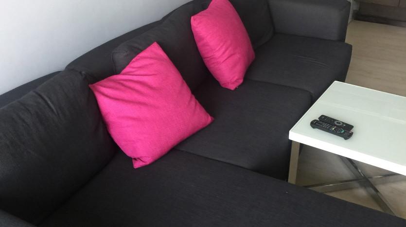 One bed condo for rent in Ari - Sofa