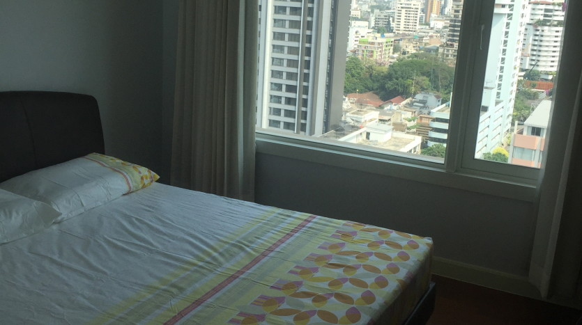 Two bed condo for rent in Phrom Phong - Second bedroom