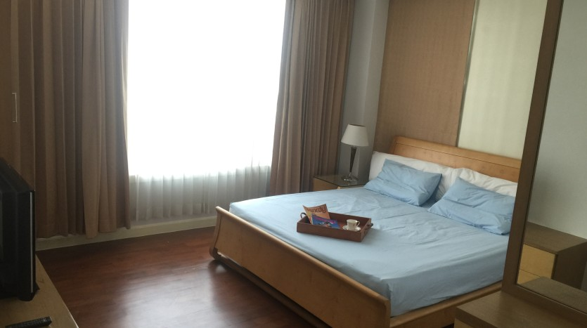 Two bed condo for rent in Phrom Phong - Master bedroom