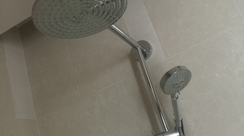 Two bedroom condo for rent in Thong Lo - Shower