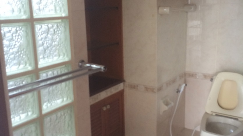Two bedroom condo for rent in Thonglor - Bathroom
