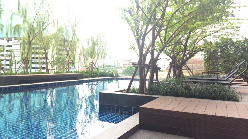 One bed condo for rent in Ari - Pool