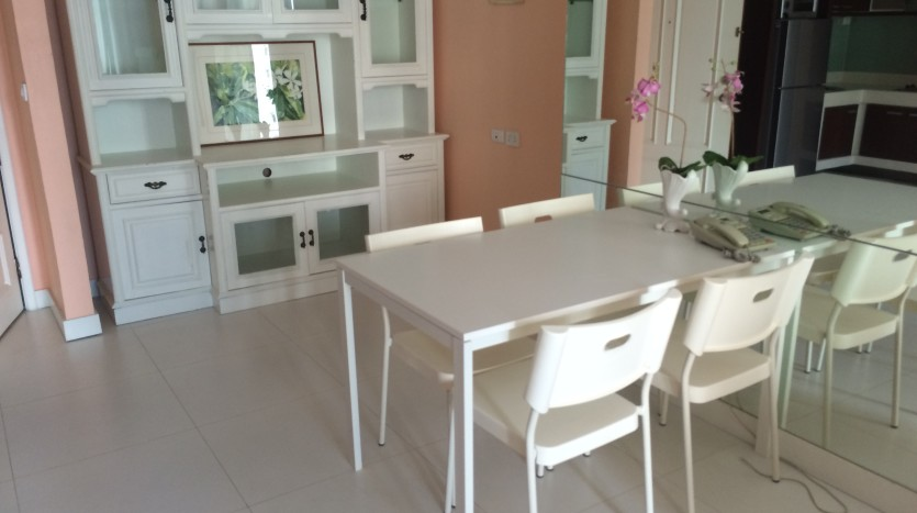 one bed condo for rent in Asoke - Dining Area