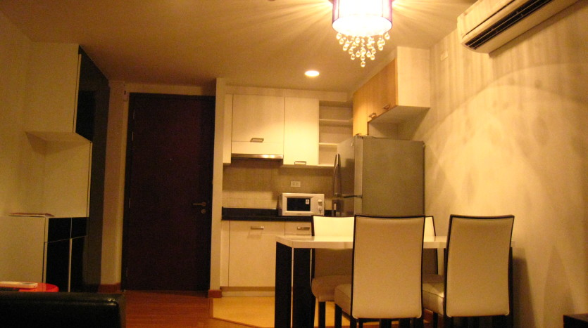 One bedroom condo for rent in Ari - Dining Room