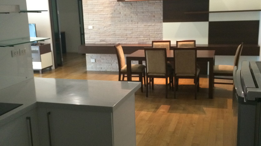 Two bed condo for rent in Phrom Phong - Kitchen/Dining aREA