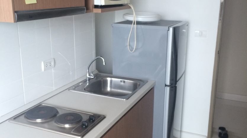 One bed condo for rent in Saphan Kwai - Kitchen
