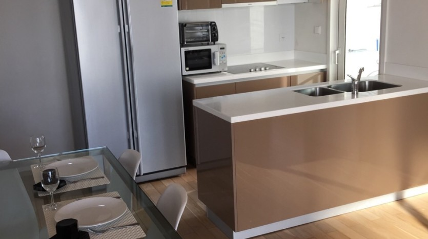 Two bed condo for rent in Thong lo - Kitchen
