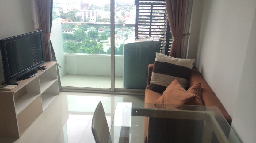 One bed condo for rent in Saphan Kwai - Living Room
