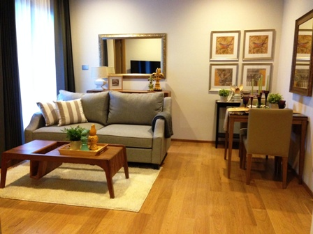 One bed condo for rent in Nana - Living room