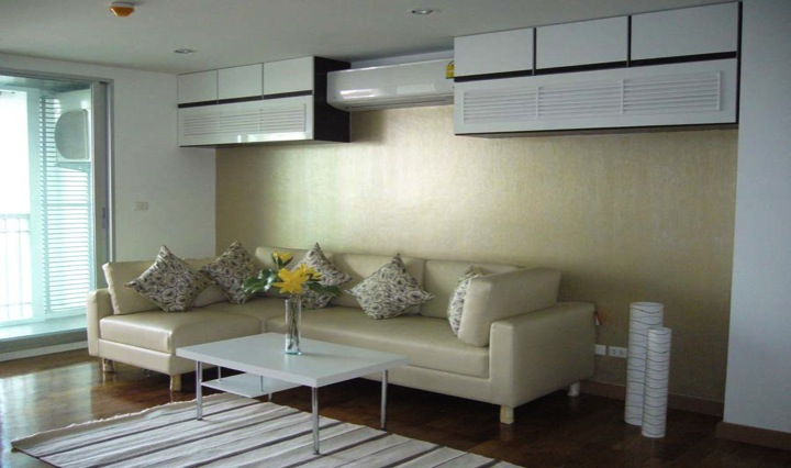 Three bed condo for rent in Thong lo - Living room 2