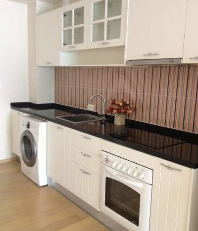 One bed condo for rent in Ari - Kitchen