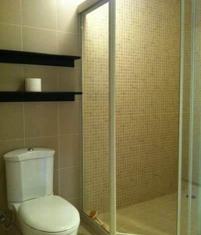 Two bed condo for rent in Ari - Bathroom