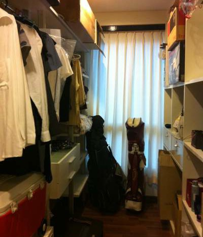 Two bed condo for rent in Ari - Closet