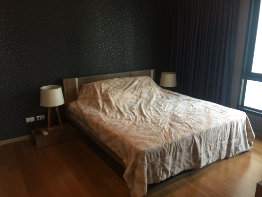 One bed corner unit for rent in Ari - Bedroom