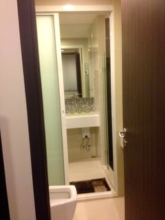 One bed condo for rent in Phra khanong - Restroom