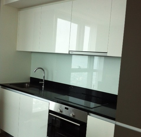 Two bed condo available for rent in Sathorn - Kitchen