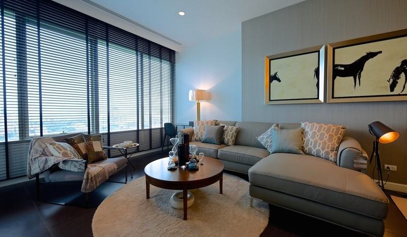 Two bed condo for rent in Ratchadamri - Living room 3