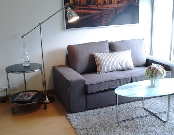 Two bed condo for rent in Ratchada - Living room 2