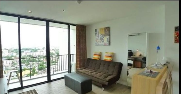 One bed condo for rent in Ladprao - Living room