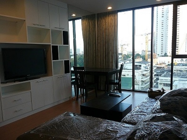 One bed condo for rent in Thong Lo - Living room