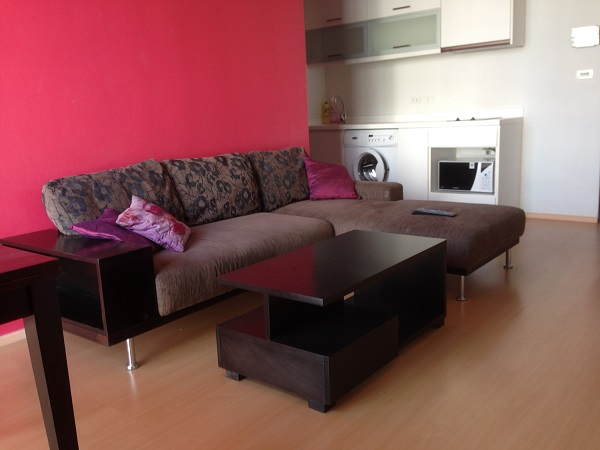 One bed condo for rent in Thong Lo - Sitting lounge
