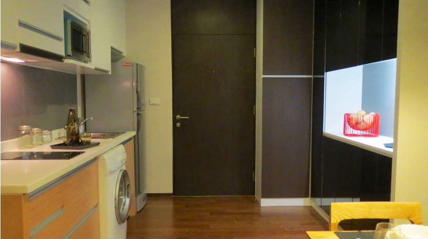 Studio for rent in Thong Lo - Entrance