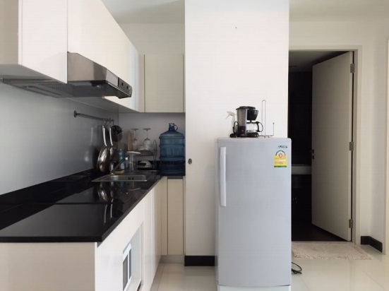 One bed for rent in Asoke - Kitchen