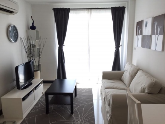 One bed for rent in Asoke - Living room2