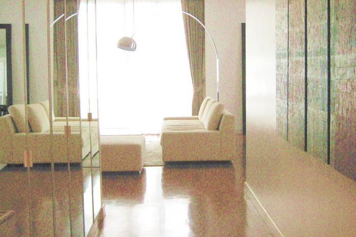 Two bed condo for rent in Asoke - Corridor