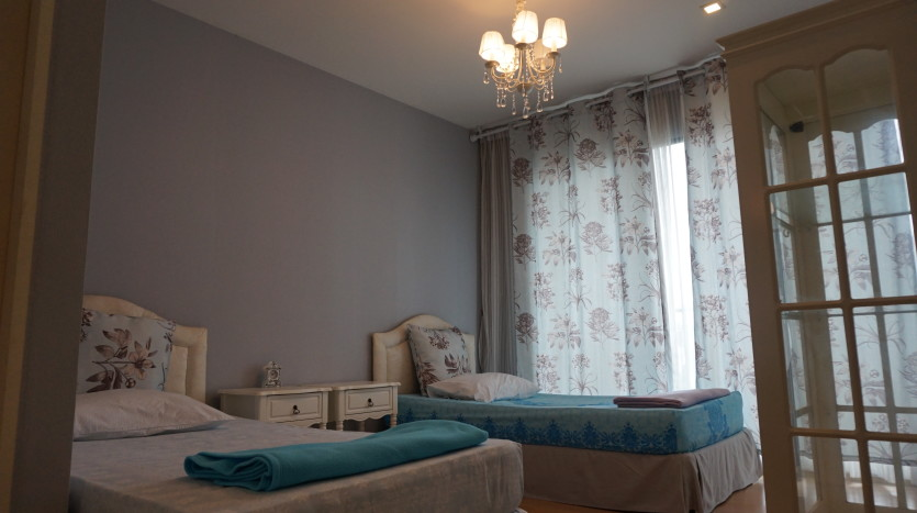 One bed condo for sale in Ari - Bedroom