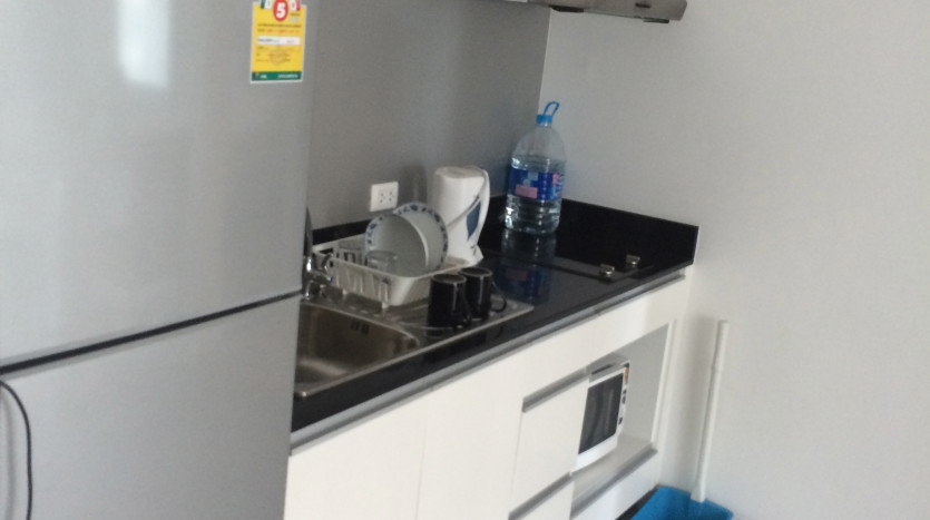 One bedroom condo for rent in SanamPao - Kitchen