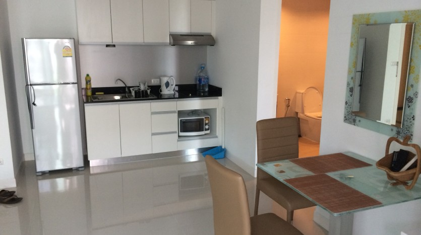 One bedroom condo for rent in SanamPao - Dining