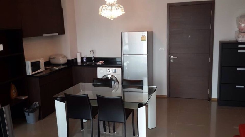 Two bedroom condo for rent in Ari - Kitchen/Dining