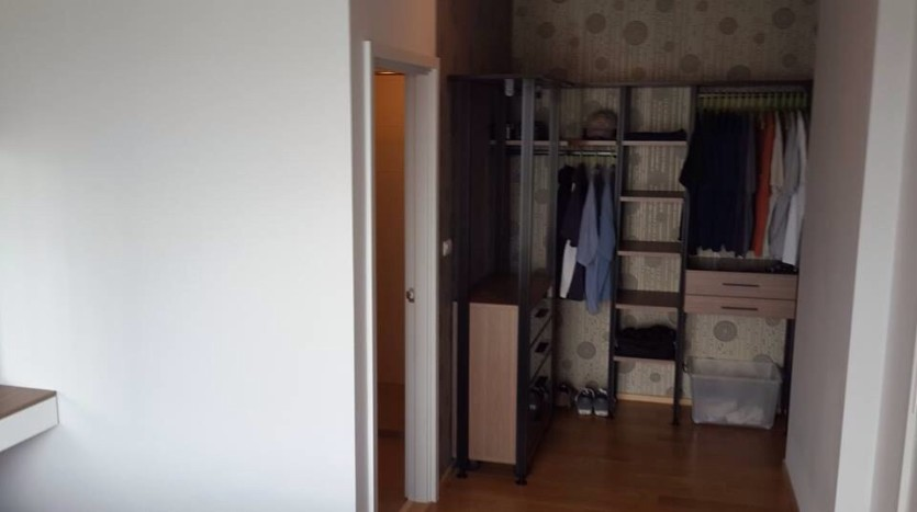 Two bedroom condo for rent in Ari - Closet