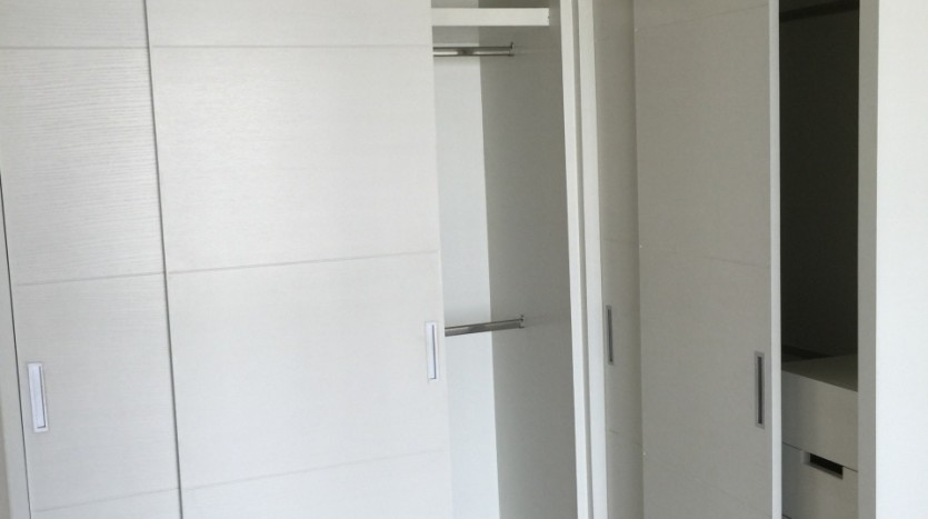One bedroom condo for rent in Thong Lo - Wardrobe