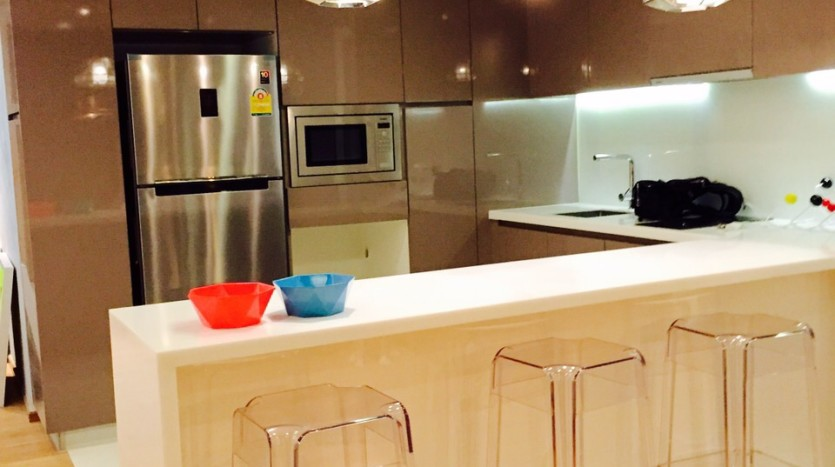 Two bed condo for rent in Nana - Dining