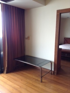 Two bed condo for rent in Asoke - Stand