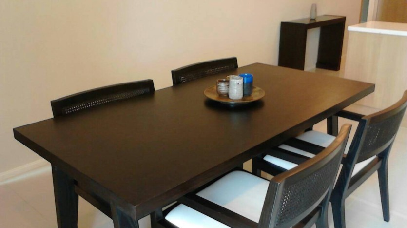 Two bedroom condo for rent in Asoke - Dining